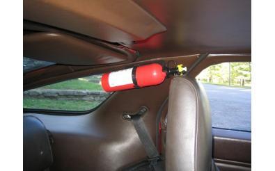 Có nên để bình chữa cháy trong ô tô và để ở đâu để tránh bị nổ