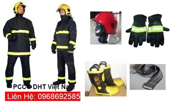 Quần áo chữa cháy của PCCC DHT Việt Nam tại cụm công nghiệp Thanh Oai