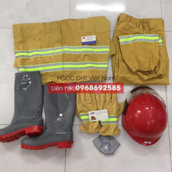 Trang phục chữa cháy của DHT Việt Nam