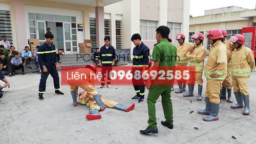 Diễn tập thực hiện nhiệm vụ cứu người với Bộ quần áo theo thông tư 48 tại Vĩnh Phúc