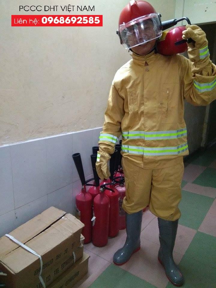Quần áo chữa cháy tại DHT Việt Nam