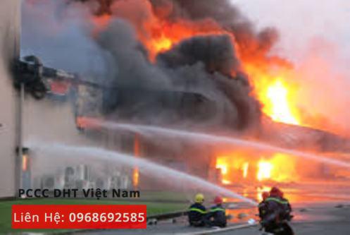 Một vụ cháy lớn xảy ra tại KCN