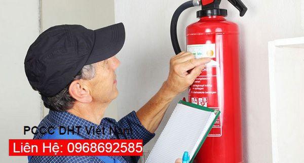 Việc kiểm tra bình chữa cháy phải được thực hiện đúng thời hạn.